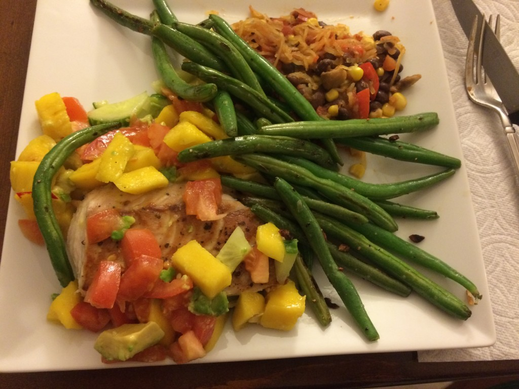 A P90X friendly meal - Salmon with mango salsa, green beans and spaghetti squash